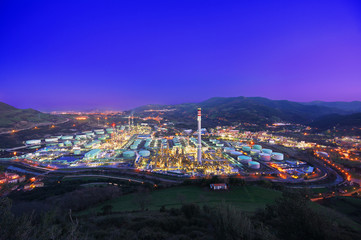Spoed Foto op Canvas Industrial geb. industrial factory at night