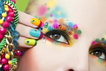 Wall Mural - Разноцветный маникюр и макияж.