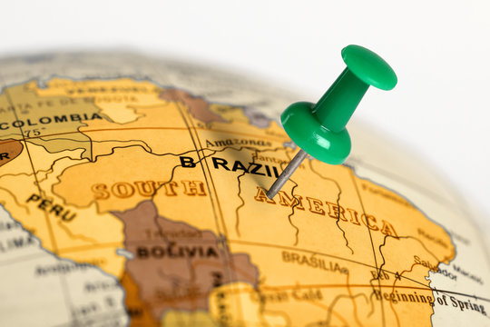Location Brazil. Green pin on the map.