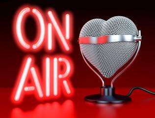 Herz Mikrofon, Liebe zur Musik, Auf Sendung