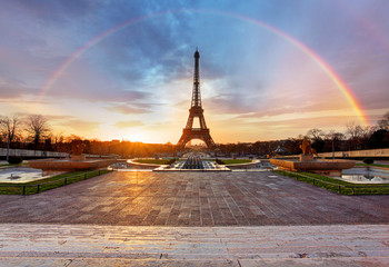 Poster Eiffeltoren Rainbow over Eiffel tower, Paris