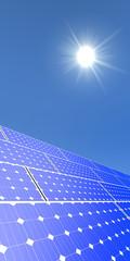 Verticale afbeelding van zonnepanelen