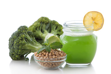 Broccoli and soy smoothie