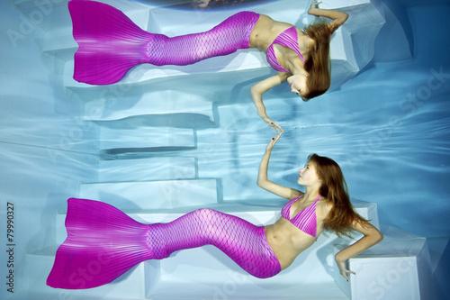 Meerjungfrau Mädchen Die Gerade Ihr Spiegelbild Im Wasser