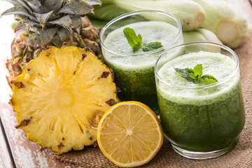 Lettuse and pineapple mix juice