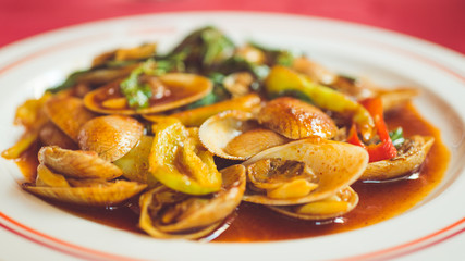 clams with chilly paste