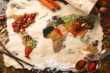 Türaufkleber Gewürze Map of world made from different kinds of spices