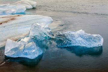 Islanda: ghiaccio dalle mille trasparenze