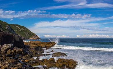Oceano e rochas