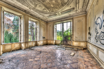 Fototapeten Schloss Derelict luxurious room in an abandoned manor