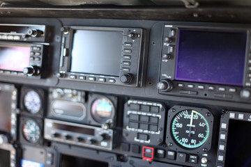 Fluginstrumente im Cockpit