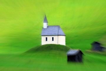 chiesetta nella natura