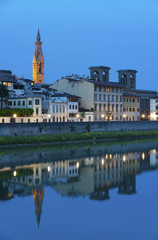 Fototapete - Arno River in Florence at night