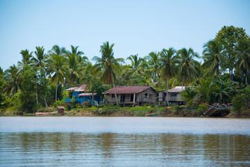 ボルネオ アジア 秘境 House of the Malaysian Borneo jungle