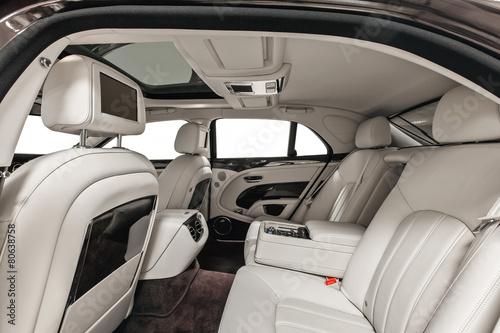 car interior luxury vip back seats stockfotos und lizenzfreie bilder auf bild. Black Bedroom Furniture Sets. Home Design Ideas