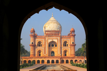 Fotobehang Delhi Tomb of Safdarjung seen from main gateway, New Delhi, India