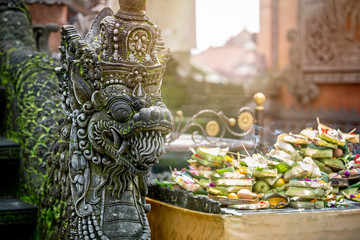 Foto op Aluminium Indonesië Temple offerings to Hindu God, Bali, Indonesia