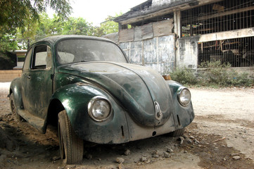 Old Beetle car image