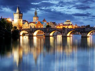 Foto op Aluminium Praag Prague bridge at night