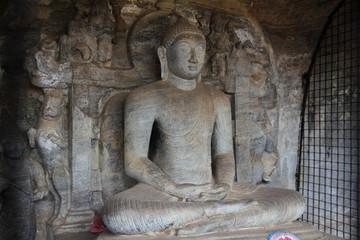 ガルヴィハーラ 座像