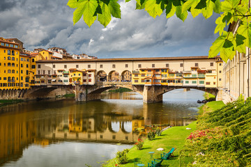 Spoed Fotobehang Florence Ponte Vecchio in Florence