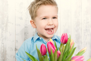 Wall Mural - lachendes Kind mit Blumen