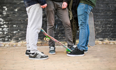 Ragazzi con skate
