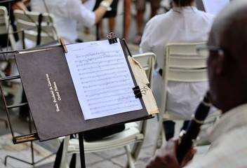 Music stand with notes