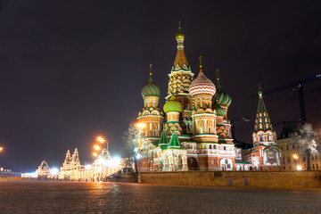 Fototapete - Spectacular view of St. Basil's Cathedral at night, Moscow