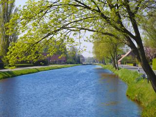 Fehnkanal in Großefehn in Ostfriesland