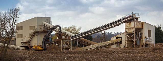 Gravel processing plant