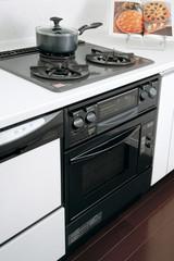 ビルトイン システムキッチン 火のまわりクローズアップ