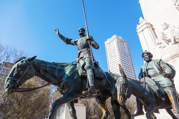 Don Quijote Statue auf der Plaza de Espana in Madrid