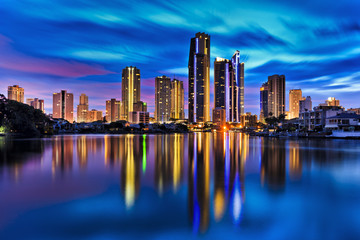 QE Surfers paradise City Still Reflect river