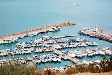 The sea mooring with yachts