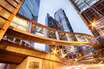Fotomurales - Office buildings in central Hong Kong at night.