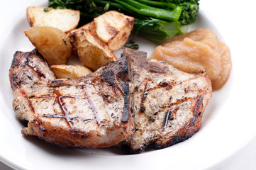 organic pork chops with appleauce