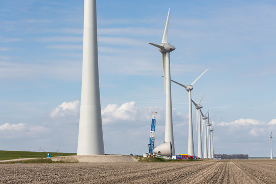 Construction work at biggest windfarm of the Netherlands