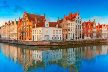 Aluminium Prints Bridges Bruges canal Spiegelrei with beautiful houses, Belgium