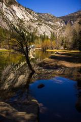 Fototapete - Mirror Lake im Yosemite National Park
