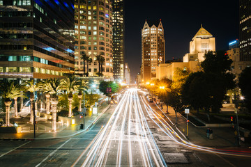 Long exposure of traffic and buildings along 5th Street at night
