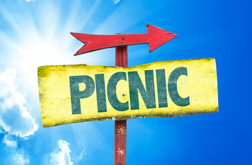Picnic sign with sky background