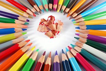 Cerca immagini matite colorate for Immagini di pareti colorate