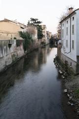 Canale d'acqua in centro a Mantova