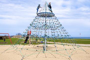 Klettergerüst Pyramide : Fotos lizenzfreie bilder grafiken vektoren und videos von