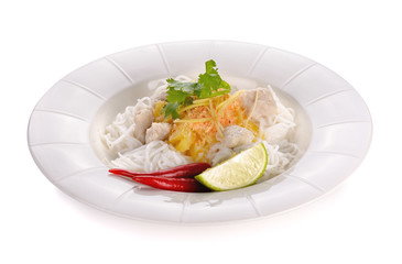 noodle eaten with powdered shrimpsand pineapple slices