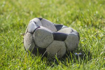 Kaputter Fussball