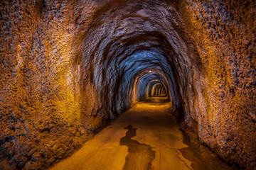 Foto op Canvas Tunnel Tunnel