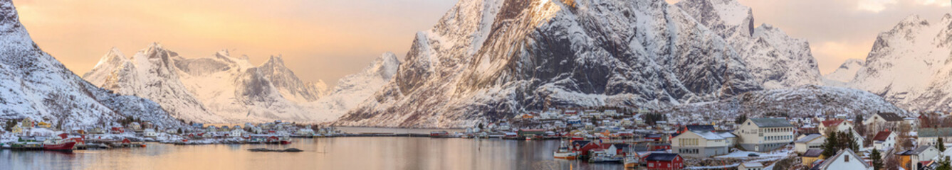 Tuinposter Scandinavië fishing towns in norway