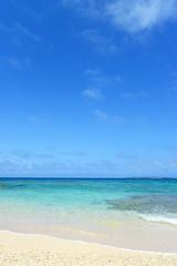 さわやかな空と美しいビーチ